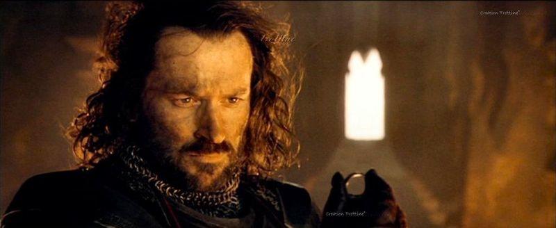 Eres Isildur en el Monte del Destino. Elrond te pide que lances el Anillo Único. ¿Qué haces?