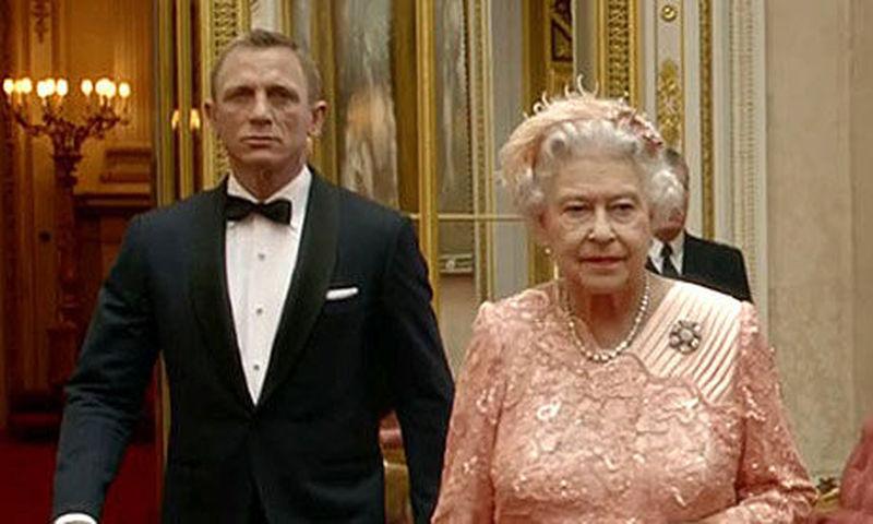 ¿Quién es el jefe de James Bond?