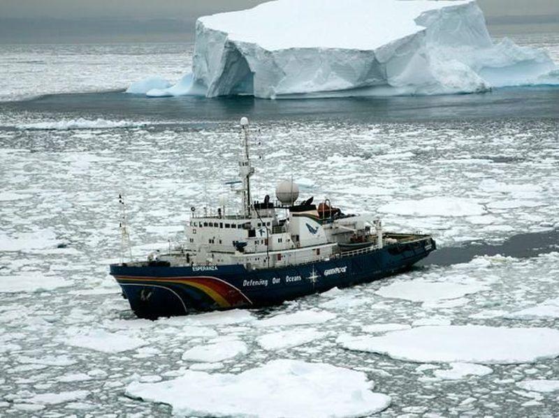 Día 3: Antes de salir del barco, Thompson te dice que el barco zarpará para hacer un reconocimiento