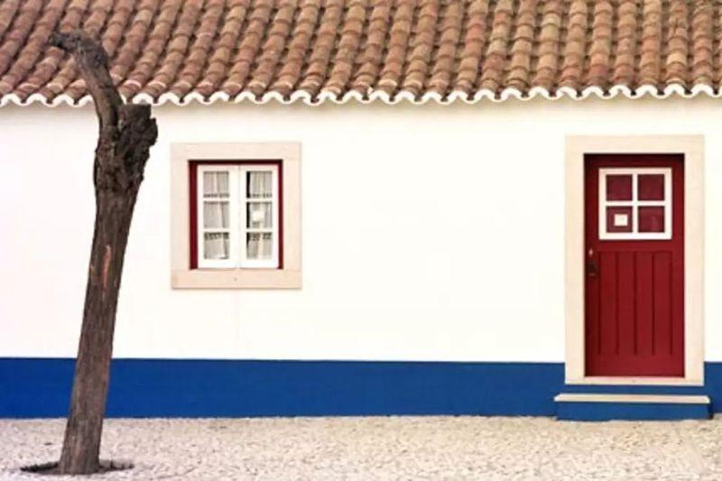 Empecemos al lado, en Portugal. ¿Qué dos árboles encontraremos casi siempre en un paisaje típico de la región del Alentejo?