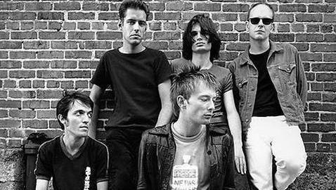Aparte de Thom Yorke, Colin y Jonny Greenwood ¿cómo se llaman el resto del grupo?