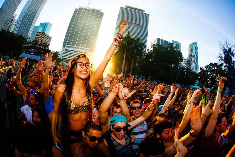 Aproximadamente, ¿cuántos millones genera para Miami este acontecimiento?