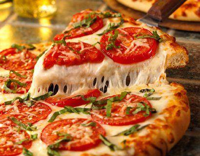 ¿De dónde es originaria la pizza?