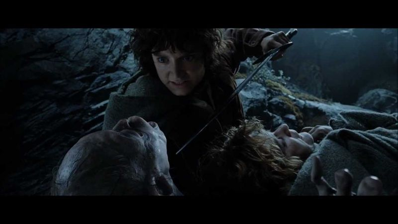 Eres Frodo en Emyn Muil. Tienes la vida de Gollum en tus manos ¿Qué haces?