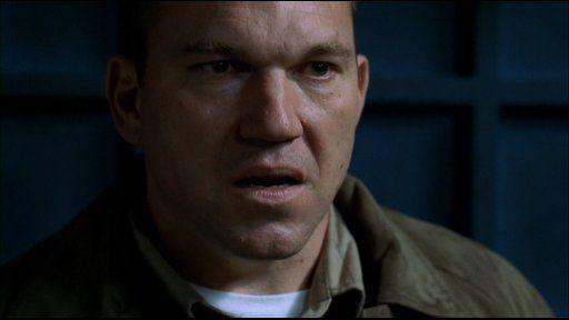 ¿Por qué estaba en la prisión Brad Bellick en la 1ª temporada?