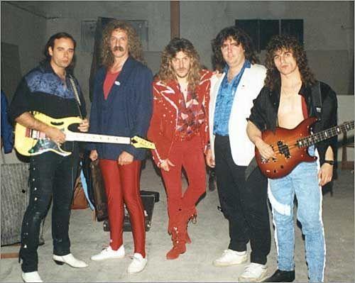 13618 - ¿Sabrías identificar de quién son estas canciones de rock español?