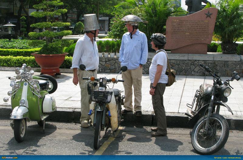 ¿En qué país tuvieron que usar motos en lugar de coches para poder recorrerlo?