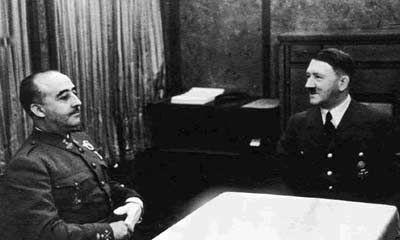 A Hitler no le gustan tus peticiones y prefiere darte solo su apoyo a cambio de algo...