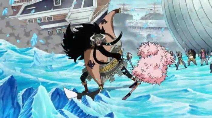 ¿De qué división era comandante el pirata que atacó a Doflamingo en la guerra?