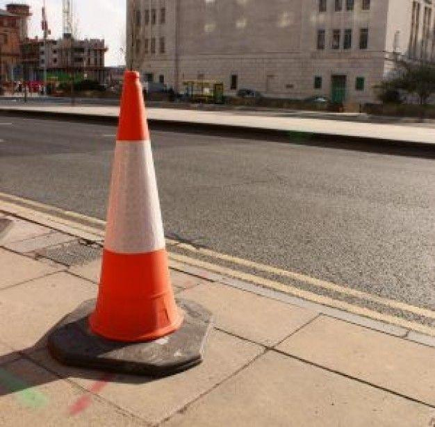 Los conos, ¿tienen prioridad sobre el resto de las señales?