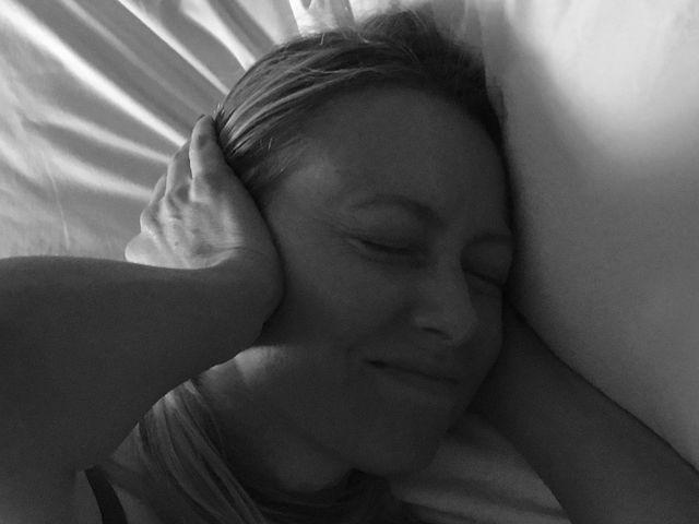¿Qué porcentaje de las personas que roncan también sufren de apnea del sueño?