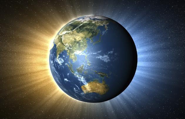 La Tierra pesa alrededor de 6.588.000.000.000.000.000.000.000.000.000.000.000 toneladas.