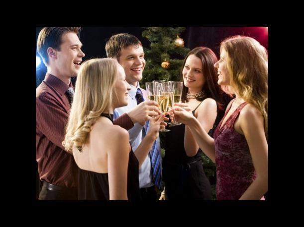 Está de moda tomar una bebida que a ti no te gusta, cuando piden una ronda para todos en un bar, tú: