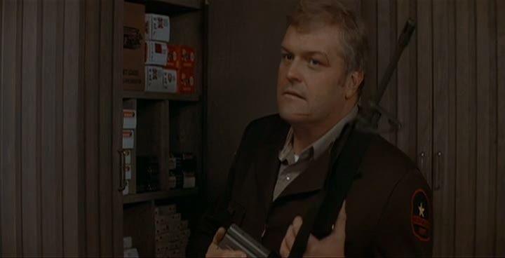 Llaman a la puerta. Es el sheriff para decirte que te quedes en casa y que todo irá bien...