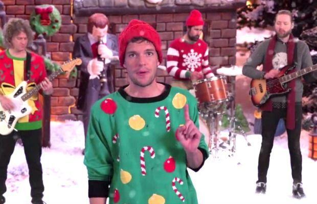 ¿Qué popular presentador estadounidense estuvo involucrado en la creación del single navideño