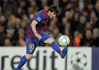 ¿Contra qué equipo anotó Messi 5 goles en el mismo partido en la Champions League?
