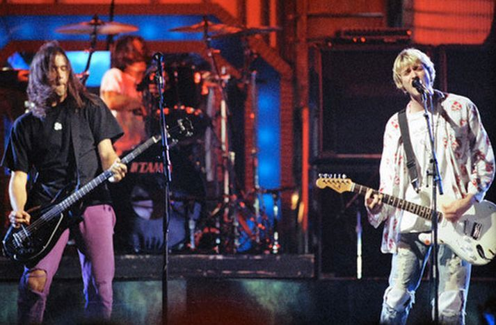 ¿Qué canciones tocó Nirvana en MTV Video Music Awards 1992?