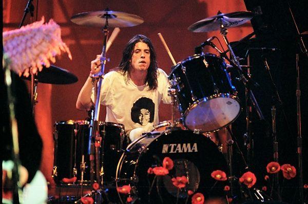 ¿cuándo se incorporó Dave Grohl en Nirvana?