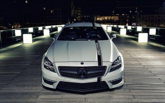 Varios empresarios ofrecen al partido coches de lujo con tal de votar que no en el siguiente dilema.