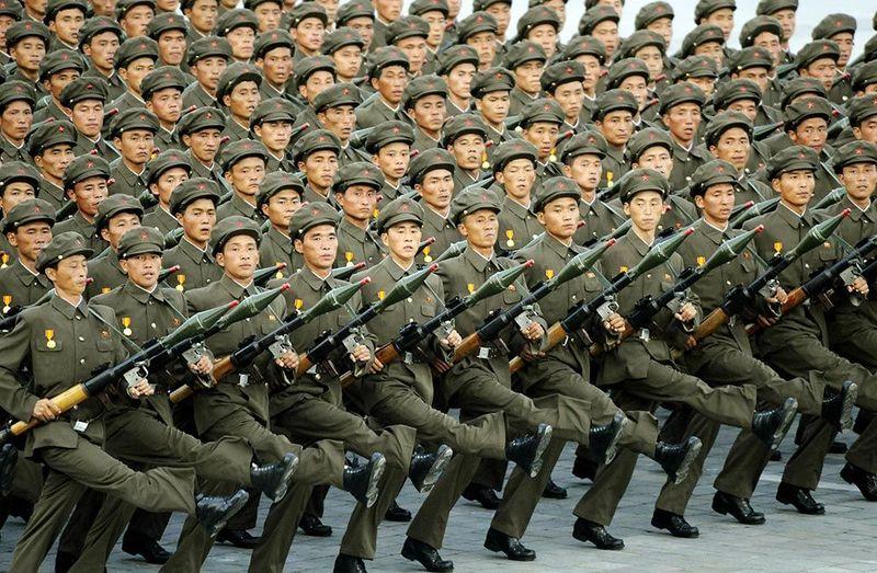 Política bélica y ejército