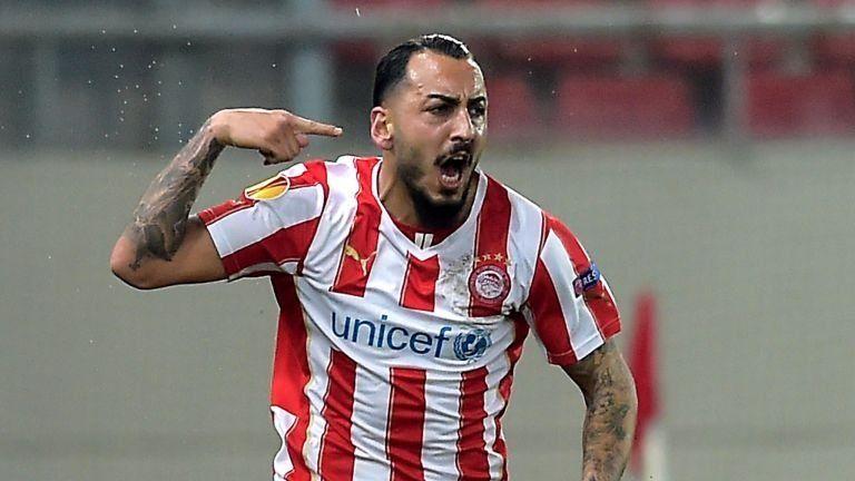 ¿En qué equipo juega Konstantinos Mitroglou?