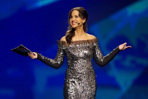 La presentadora de 2013 Petra Mede volverá a presentar este año el festival junto a un acompañante ¿quién?