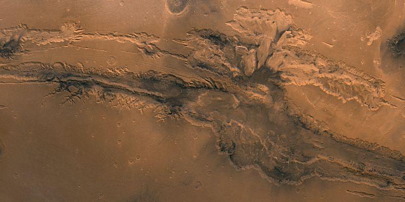 Marte. ¿Cuál es la longitud del conocido Valles Marineris?