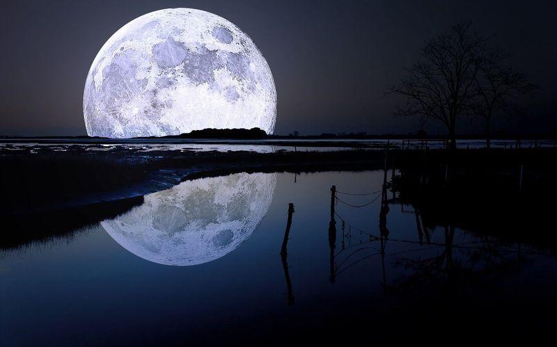 La Luna. ¿Es la Luna el satélite más denso del Sistema Solar?