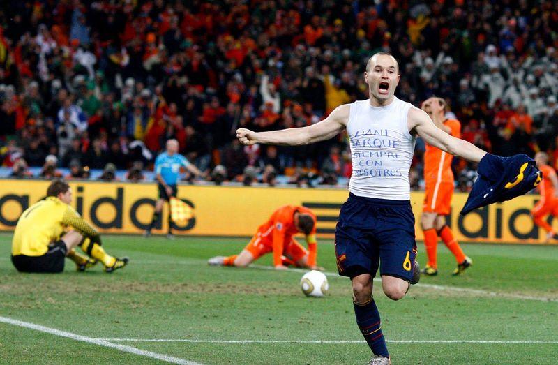 ¿En qué minuto marcó Andrés el gol ante Holanda en la final del mundial 2010?
