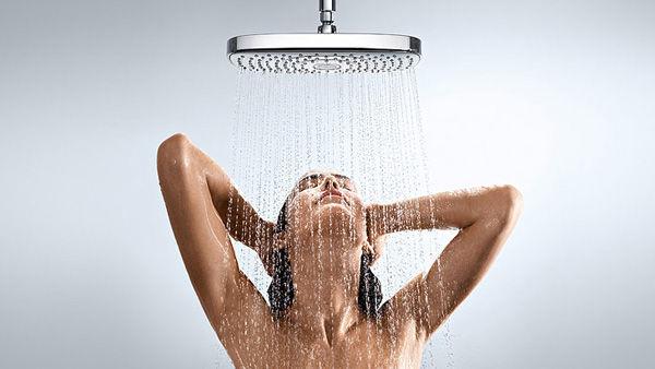 ¿Serías capaz de espiar duchandose a la persona que quieras o te guste si fueras invisible?