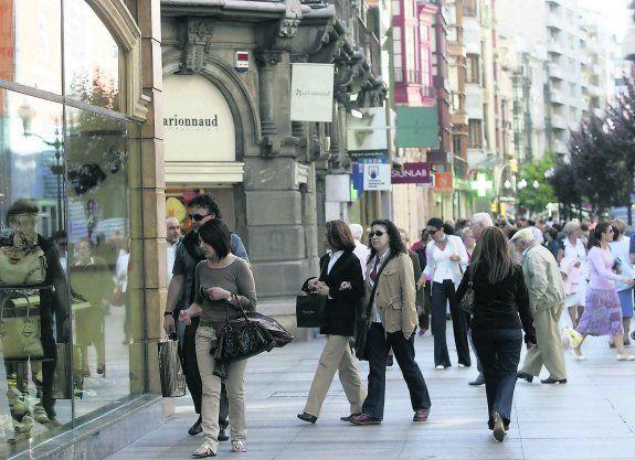 ¿Cuál de estas tiendas de ropa no es española?