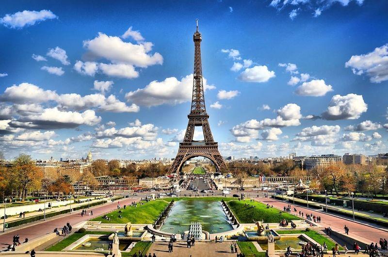 Ahora vamos a Europa y después África, empezando por la mas sencilla, ¿donde se encuentra París?