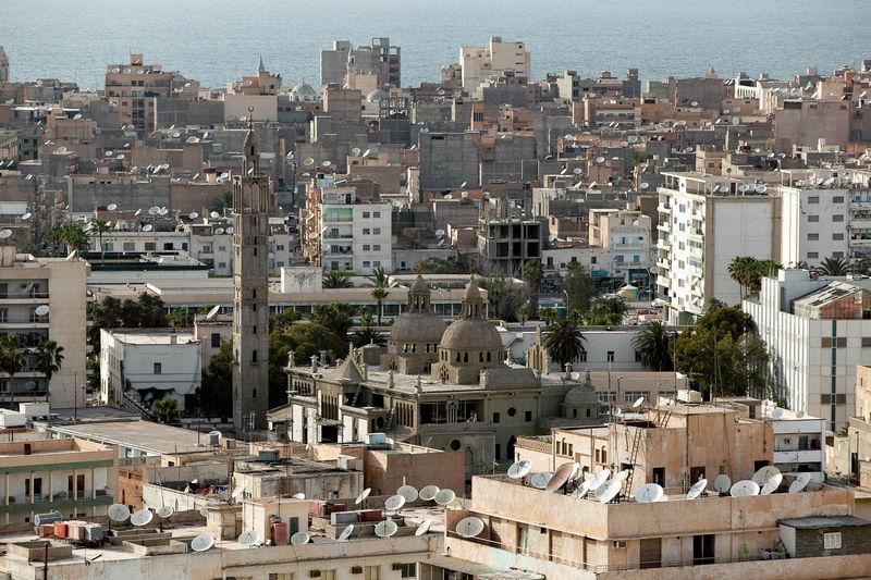 Ahora volamos a Bengasí, ¿sabes dónde se encuentra?