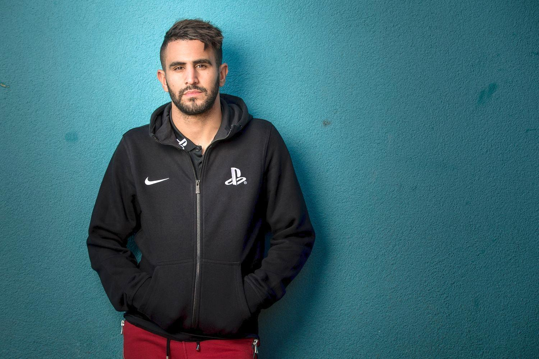 ¿En qué año ha sido elegido como futbolista argelino del año?