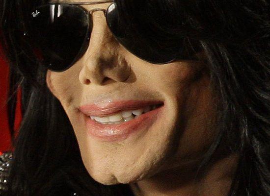 ¿Es Michael Jackson o su figura de cera?