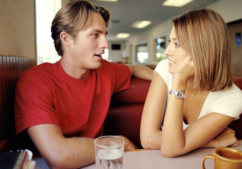 De media ¿cuántas palabras por día dice un hombre y cuántas una mujer?