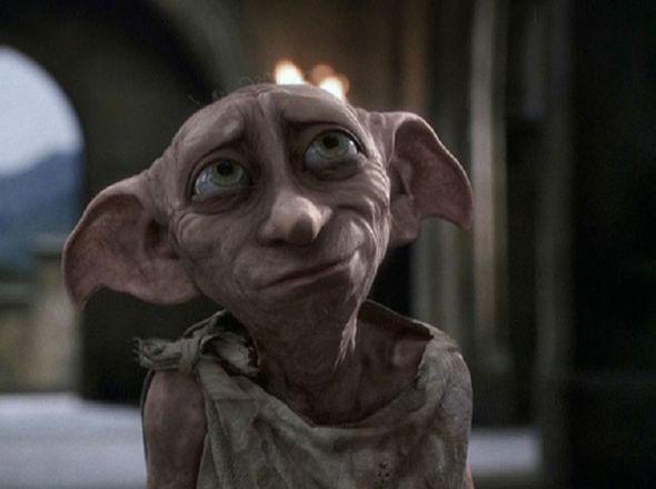 ¿Cuántos elfos domésticos (cuyo nombres sepamos) aparecen?