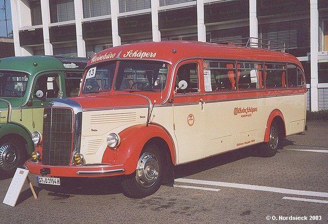 Empezamos por autobuses y camionetas, ¿sabes qué autobus es éste?