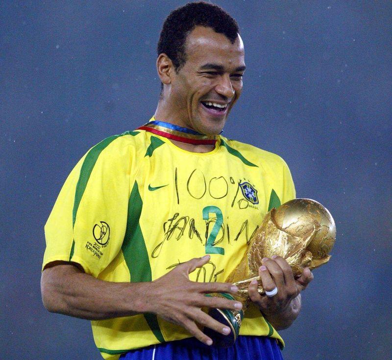 ¿Cómo se llama realmente el mejor defensor de la historia de Brasil,