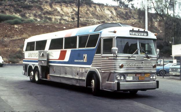 Ésta es muy difícil, ¿sabes que autobús es éste?