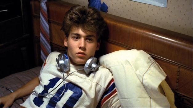 ¿En qué película de terror debutó Johnny Depp en 1984?