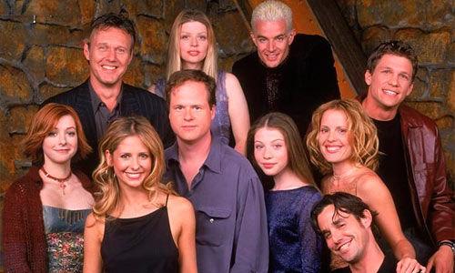 Hablemos de un clásico adolescente, Buffy cazavampiros, ¿Cual es el nombre del vampiro rubio interpretado por James Masters?