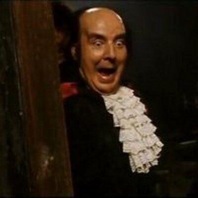 Destensemos un poco, ¿Qué humorista español encarnó al conde Brácula?
