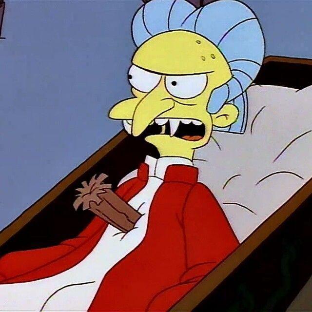 En el capitulo de la casa del horror IV de los Simpsons, ¿Quién es el vampiro jefe?