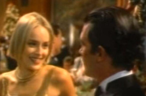 ¿A qué famoso anuncio pertenece la siguiente imagen que protagonizó Antonio Banderas con Sharon Stone?