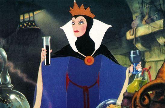 ¿Qué contenía el hechizo que usó la malvada reina de Blanca Nieves para transformarse en bruja?