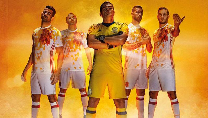 Vamos a complicar un pquito el tema, ¿Quién fue el máximo goleador español en la fase de clasificación para dicho torneo?