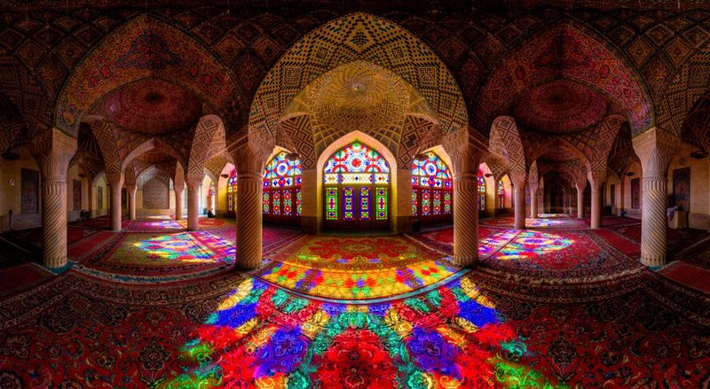 ¿Dónde surge la arquitectura islámica?