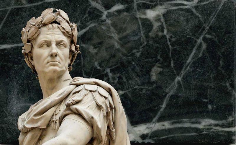 ¿Qué significó Julio Cesar para la organización política de Roma?
