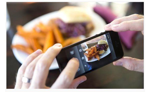 Todos tus amigos están usando una app que cuentan las calorías ingeridas. Te dicen que deberías probarlas, a lo que contestas...